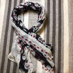 2/24- Black/ Iight grey skill & heart scarf
